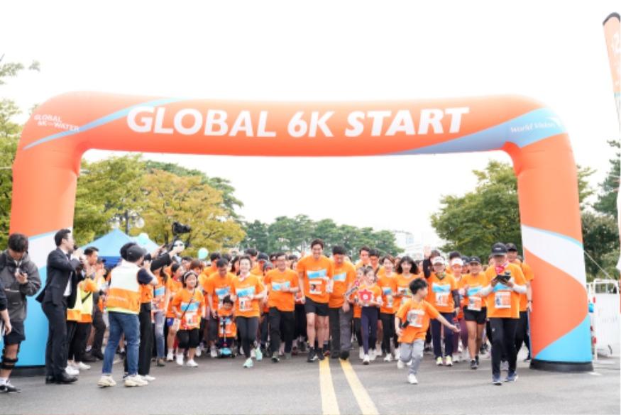 스트레이트 - 월드비전 글로벌 6K 마라톤.jpg